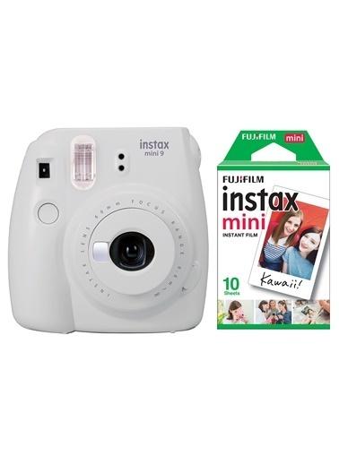 Fujifilm Instax Mini 9 Beyaz Fotoğraf Makinesi & 10'lu Film Beyaz